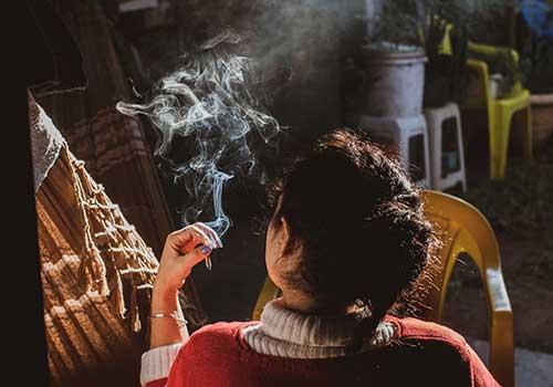 Adicciones a fumar, alcohol u otras sustancias