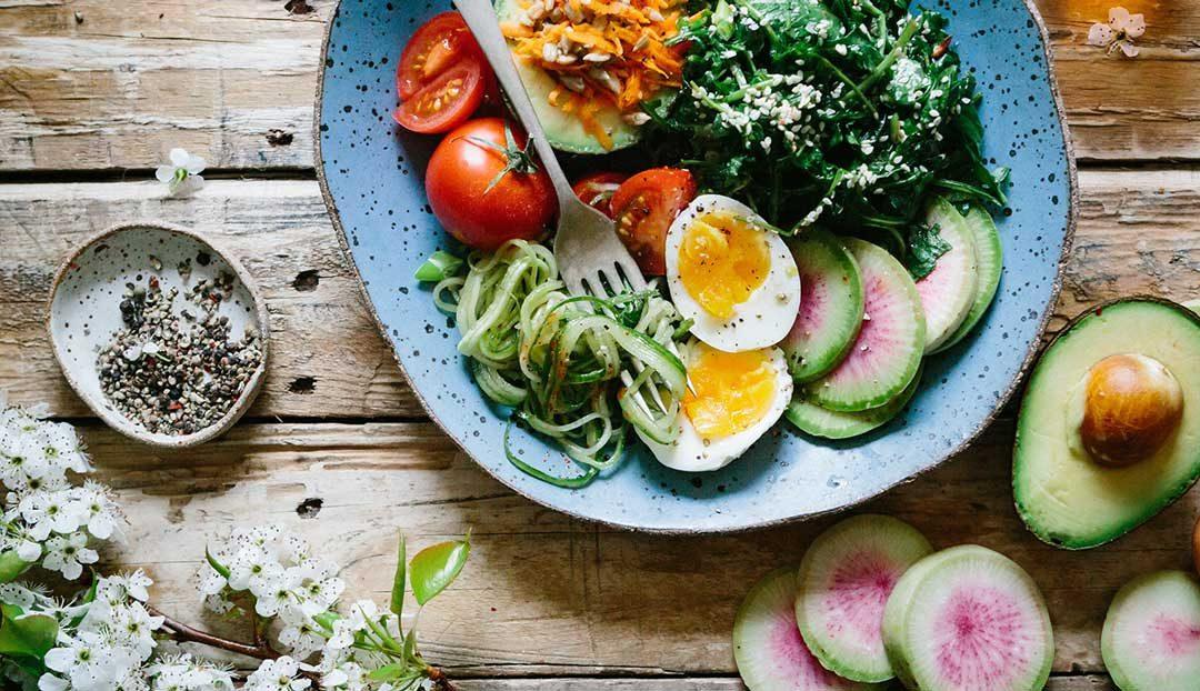 La guía para comer saludablemente siguiendo la alimentación intuitiva