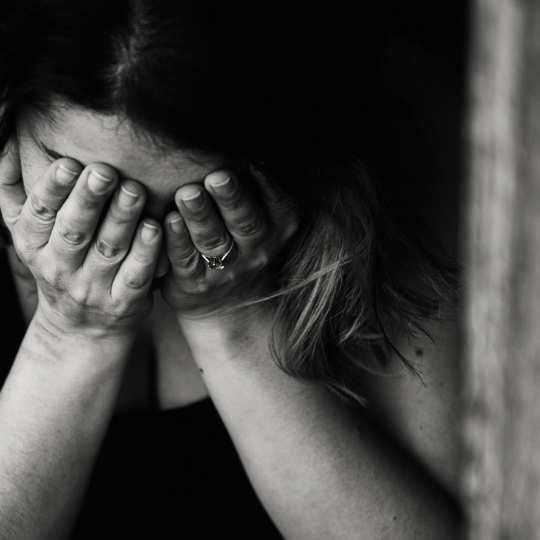 Cómo sanar el trauma emocional y sanar - Angie Ramos